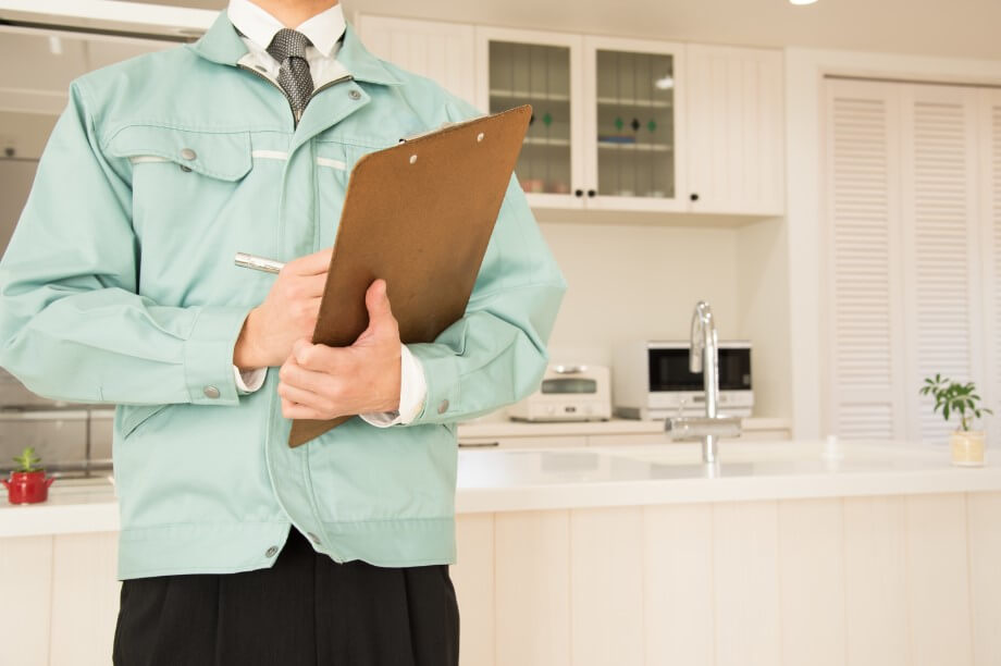 リフォームでキッチンの交換をするときに、キッチンの場所を変えたいと思っているのですが、自由に場所を変えられるものなのでしょうか?